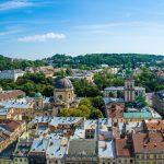 Widok na ukraińskie miasto Lwów